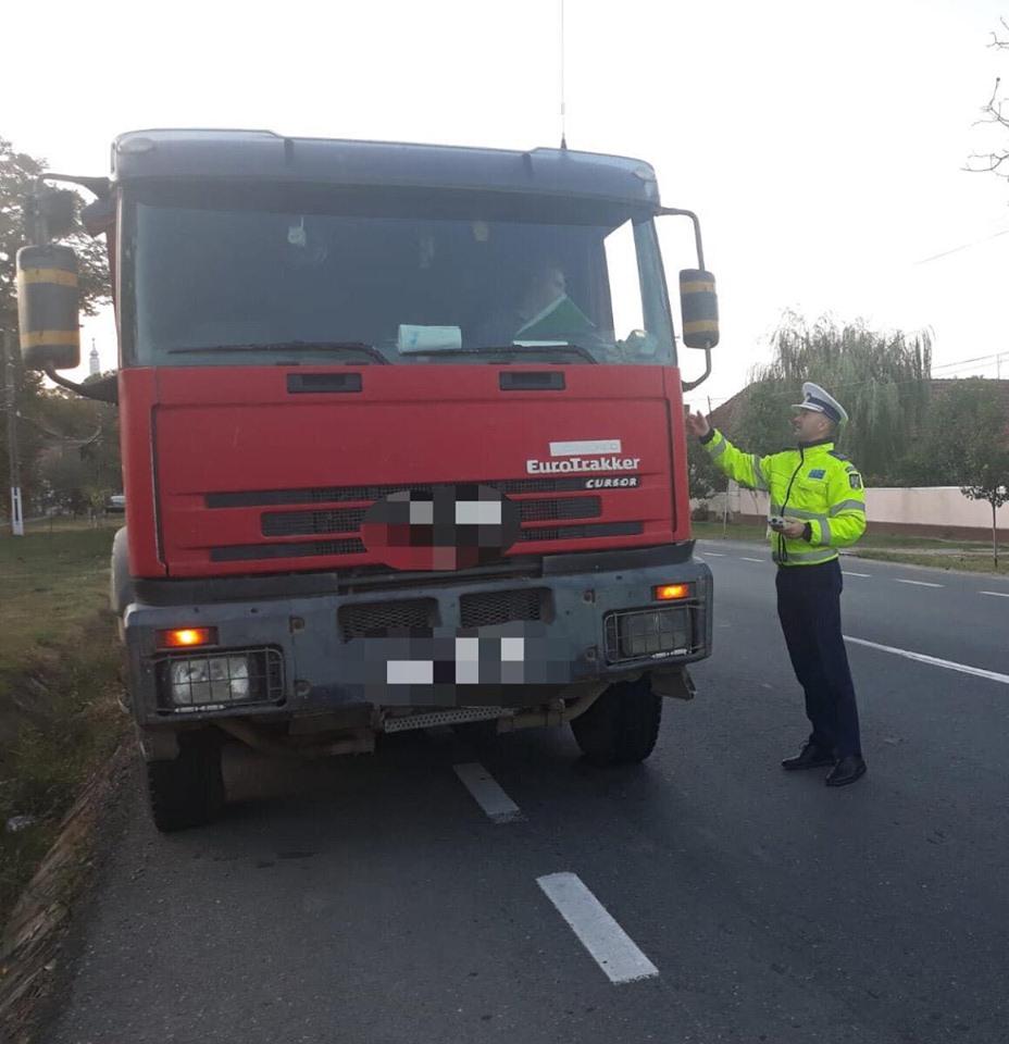 Razie de amploare. Agenţii de la Rutieră vor opri autobuzele şi camioanele cu marfă