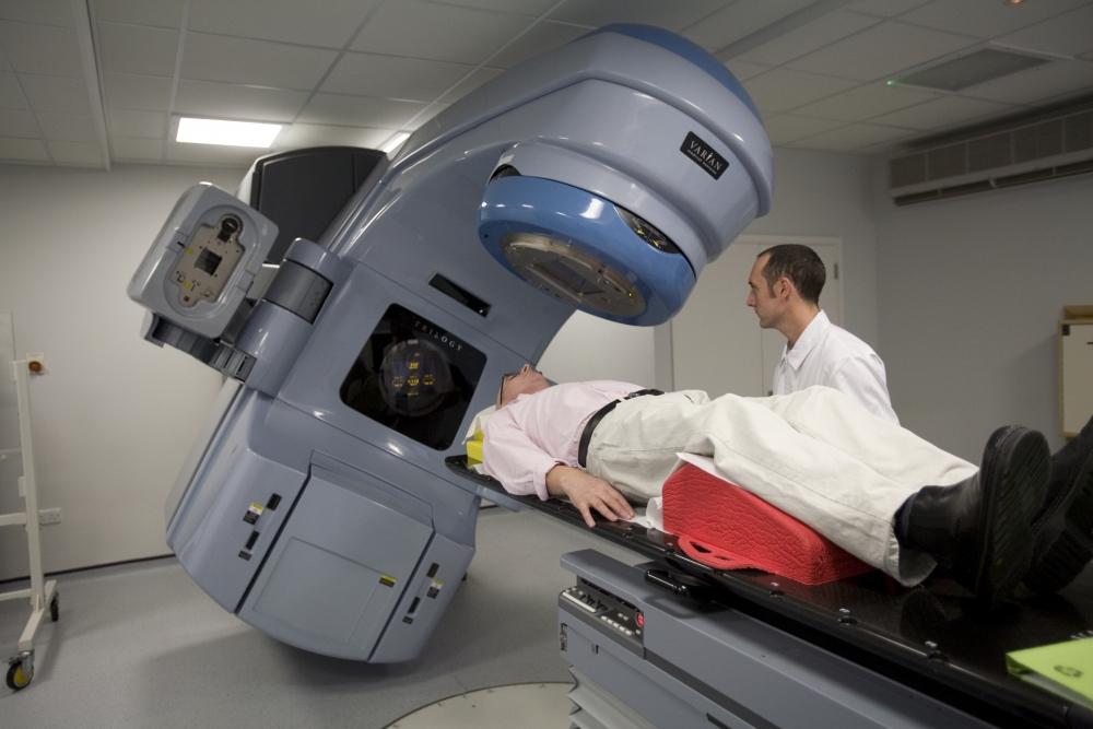 Secţia de Radioterapie de la Clinicile Noi se mută în altă clădire