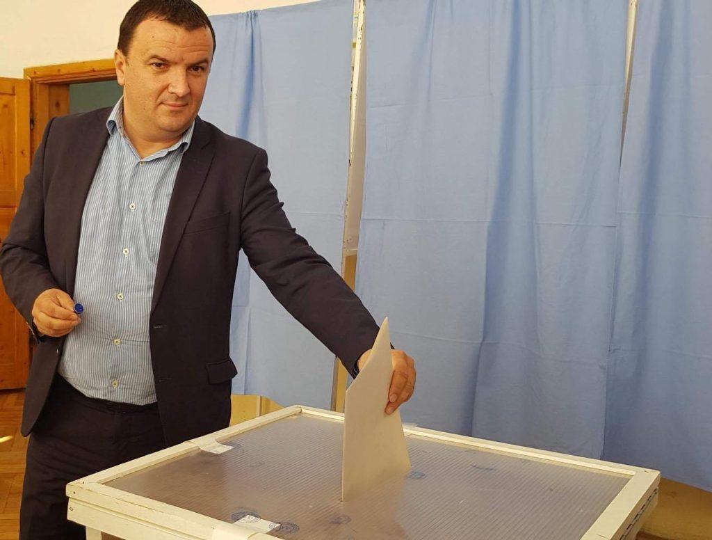 Liderul PSD şi CJ Timiş, Călin Dobra, a votat cu inima