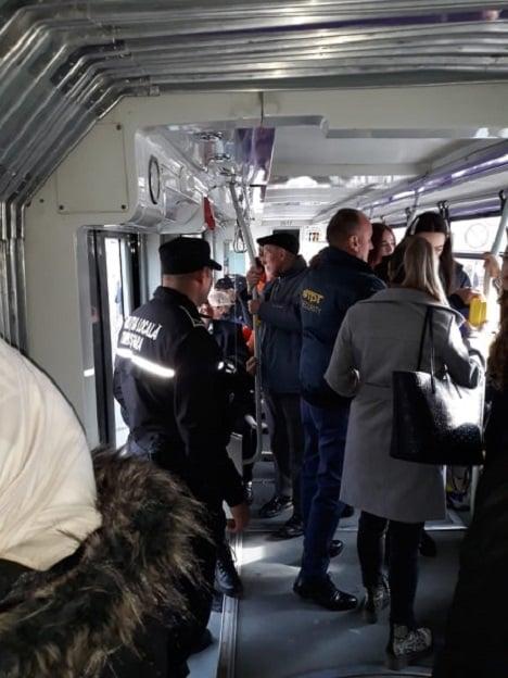 Călătorii care nu cumpără bilete sau abonamente, amendaţi