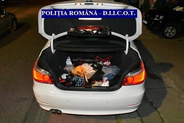 Aproximativ 1.000 de pastile de ecstasy, descoperite de polițiști la Arad