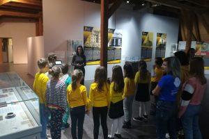Elevi de la Shakespeare, ghizi la Muzeul Naţional al Banatului