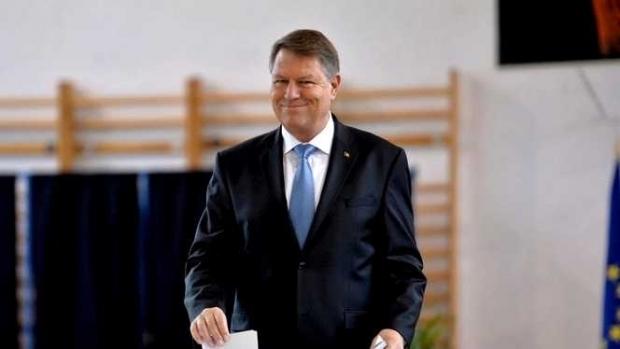 """Iohannis: """"Îmi doresc un viitor foarte bun pentru România şi sper să primesc confirmarea că foarte mulţi români îşi doresc asta"""""""