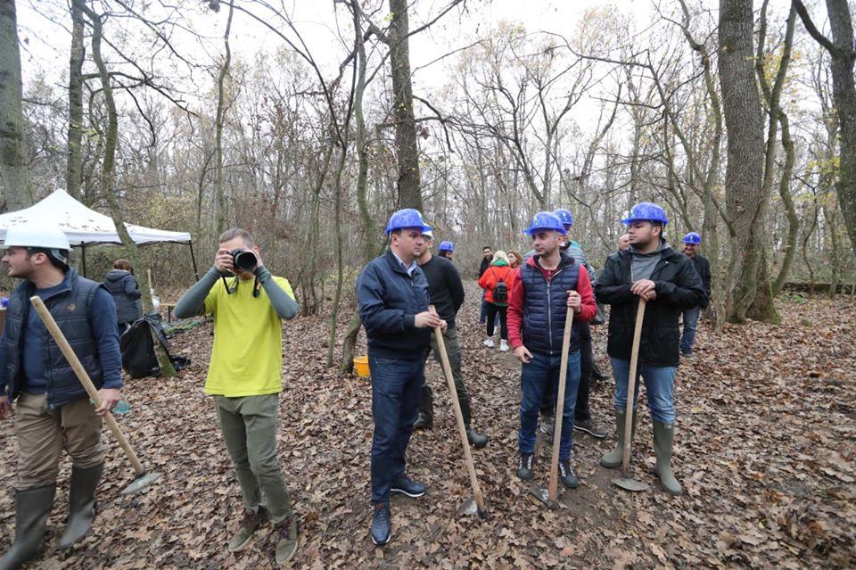 Comunitatea și autoritățile județene contribuie la refacerea pădurii Bistra
