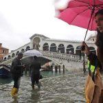 O nouă maree a lovit Veneţia