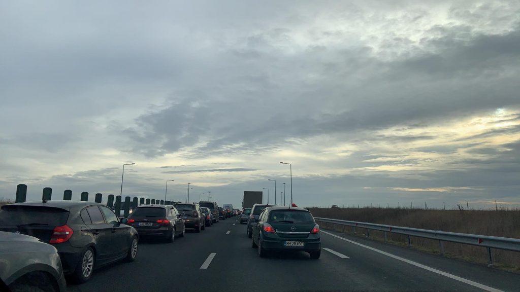 Accident rutier pe A1. Trafic îngreunat