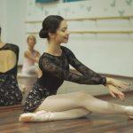 """Școala """"The House of Ballet"""" dansează pentru copiii bolnavi de cancer"""