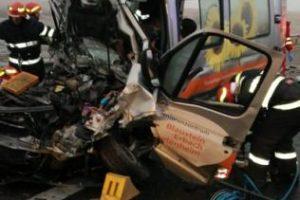 Accident grav pe autostrada A1 în Timiș. Un mort şi şase răniţi