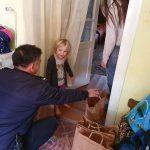 Pompierii din Sânnicolau Mare au mers încărcaţi cu daruri la familii nevoiaşe
