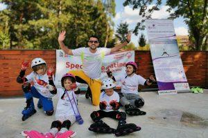 9 tineri cu dizabilități fac la Timișoara o demonstrație de patinaj pe role