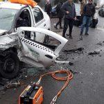 Un taxi s-a făcut praf pe o stradă din Timişoara