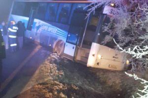 Încă un autobuz cu elevi a ajuns în șanț în Timiș