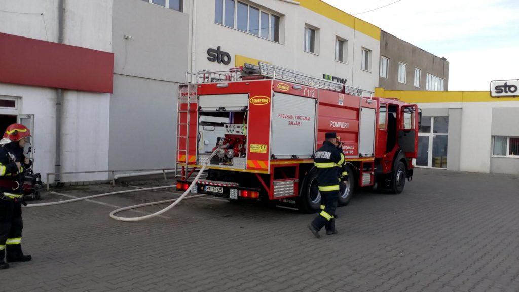 Incendiu la depozitul unui supermarket