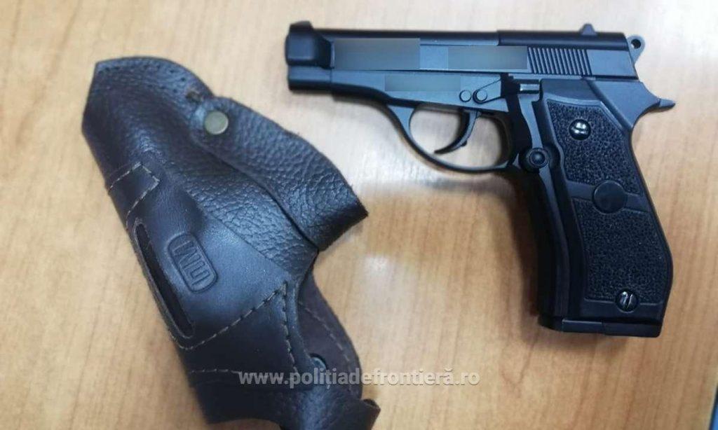Armă cu aer comprimat, confiscată în Vama Jimbolia