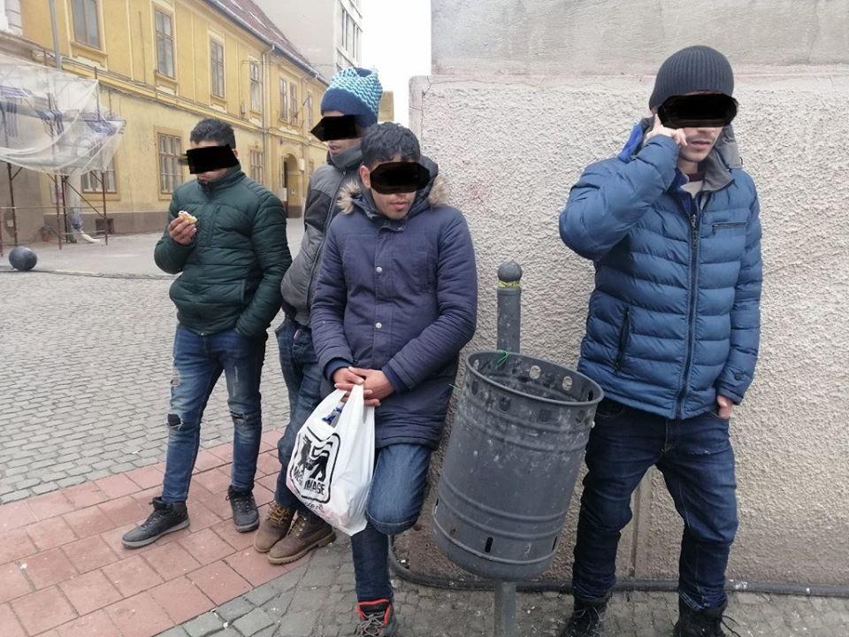 Migranţi fără documente legale, depistați de polițiștii locali în zona centrală