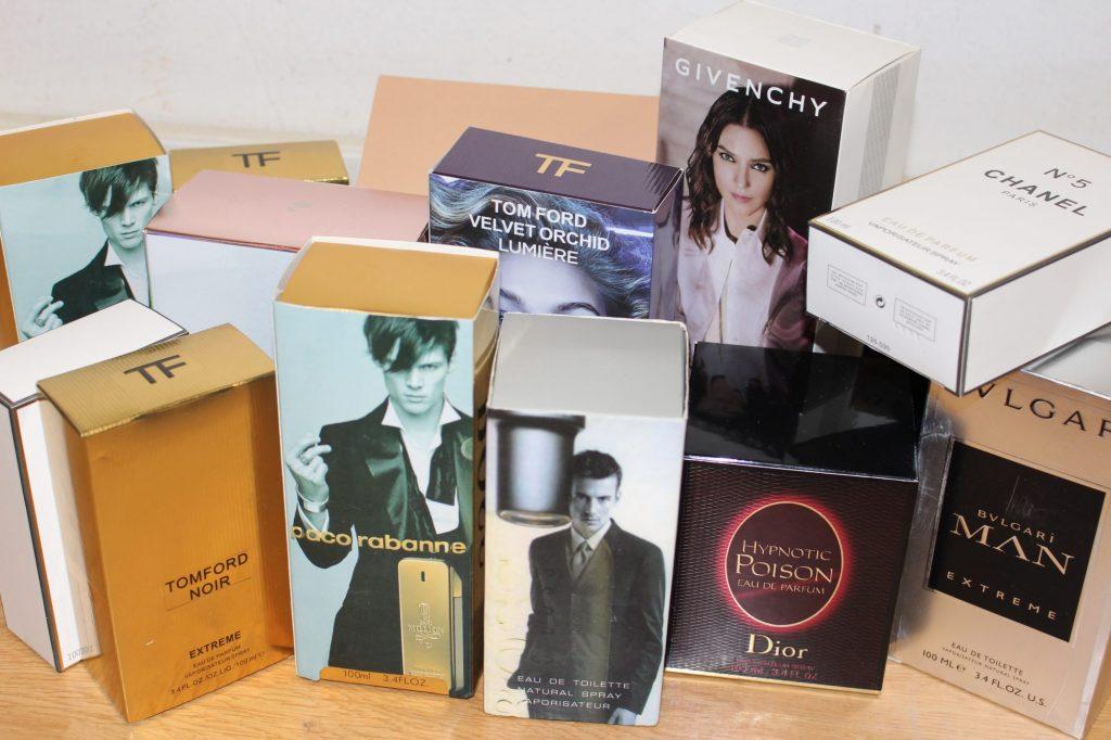 Jandarmii au confiscat parfumuri contrafăcute în Piaţa Flavia