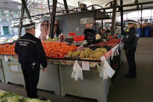 Nereguli depistate de polițiștii locali în Piețele Dacia, Lipovei și Girocului