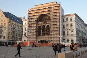 Primăria Timișoara a obținut avizul de la Ministerul Culturii pentru înlocuirea travertinului de pe fațada Operei