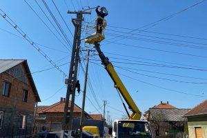 Au început lucrările de modernizare a sistemului de iluminat din oraşul Buziaș