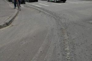 Ce amenzi au de plătit şoferii care au ieșit cu autovehiculele pline de noroi din șantiere