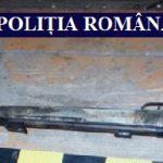 O armă cu aer comprimat și țigări netimbrate confiscate în urma unor percheziții
