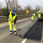 Se lucrează pe drumurile din vest
