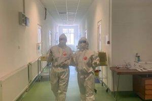 Aproape 1.000 de cadre medicale, infectate cu coronavirus