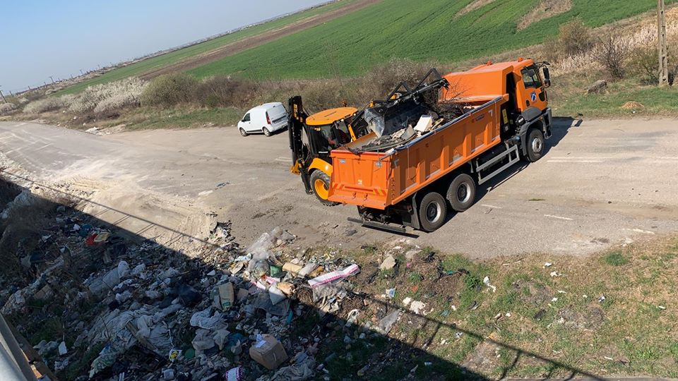 Dezastru la pasajul de la Remetea Mare. Locul a fost salubrizat de DRDP Timişoara