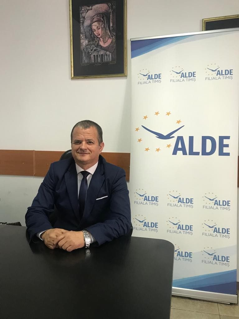 Liderul ALDE Timişoara dă vina pe Guvern, nu pe CCR, pentru că bolnavii cu covid se pot plimba liberi pe stradă