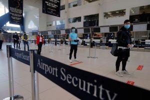 Regulile stricte în avion și aeroport, din iunie