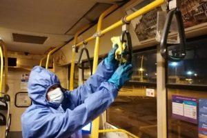 Mijloacele de transport sunt dezinfectate zilnic în plină pandemie