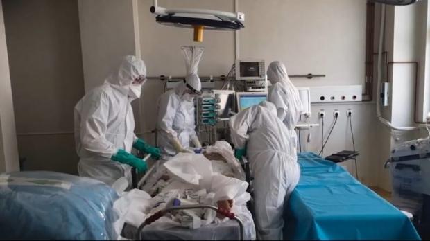5.837 de noi cazuri de coronavirus și 131 de decese de ieri până astăzi. România a trecut de pragul de 10.000 de decese cauzate de COVID-19