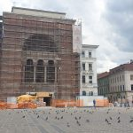 """Mai există statui în pereţii laterali ai Operei? Cum vor fi """"căutate"""""""
