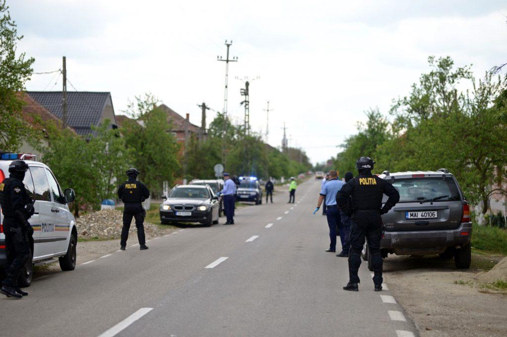 Razie în Lugoj şi trei comune. Poliţiştii au reţinut 16 permise şi au dat zeci de amenzi