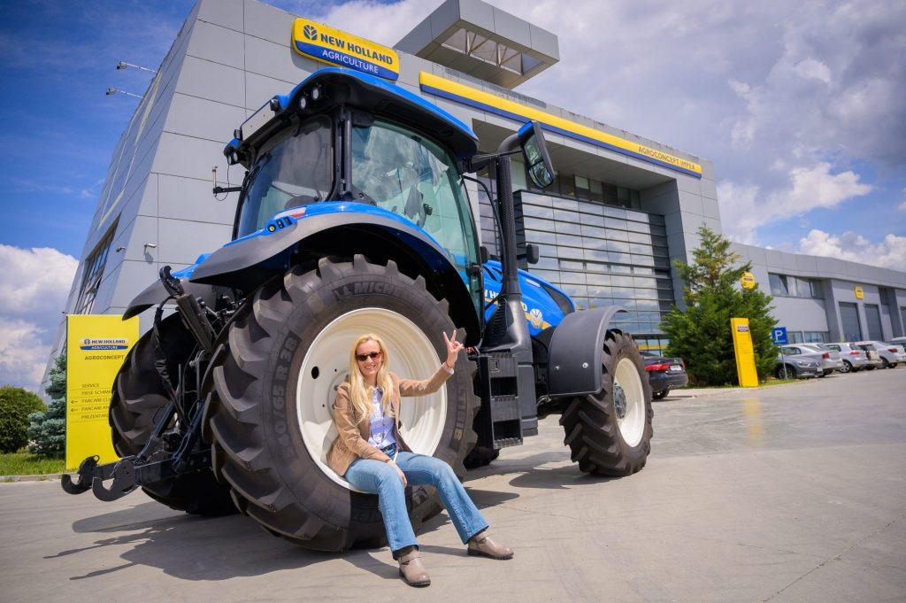 """A doua etapă a proiectului """"România văzută din tractor"""" porneşte din curtea USAMVB"""