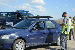 Trei cetăţeni români cercetaţi pentru trafic de migranţi