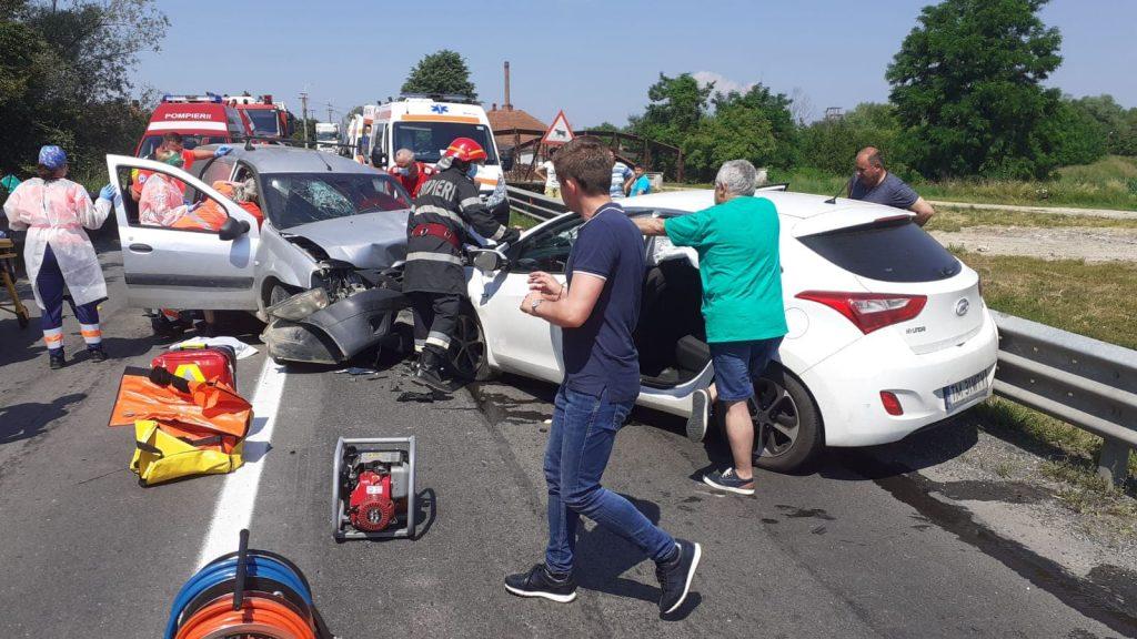Patru persoane au fost rănite într-un accident la Margina