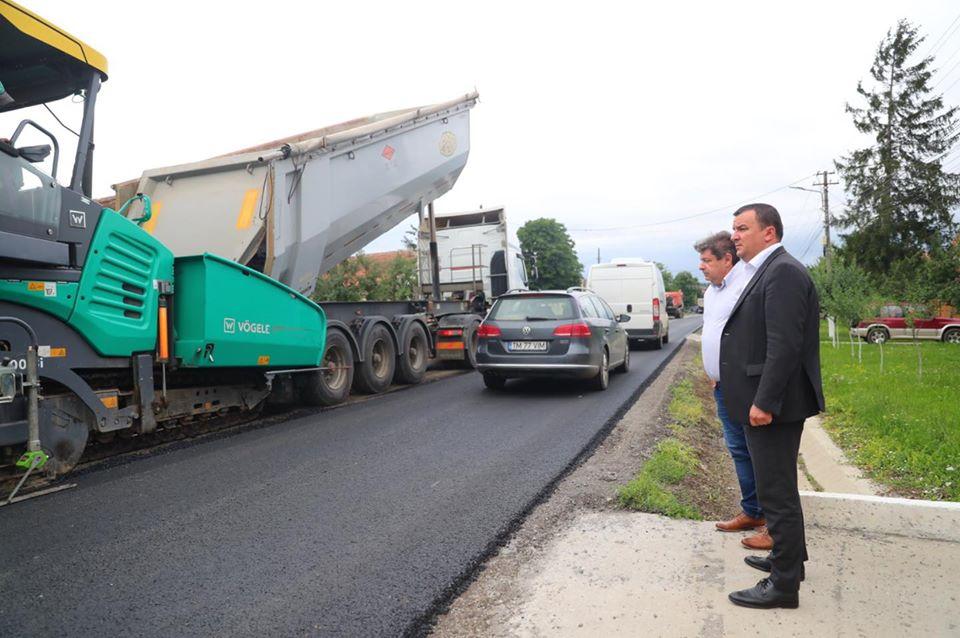 Se asfaltează şoseaua la Pișchia