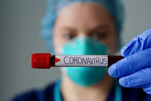 Un nou record în România: 698 de infectări. În Timiş sunt 16 cazuri noi