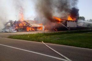 Restaurant în flăcări la Sacoșu Turcesc