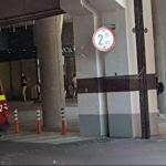Gest şocant al unui bărbat! S-a aruncat de la etajul doi al mall-ului