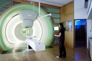 Tratament revoluționar pentru tratarea cancerului la Timişoara