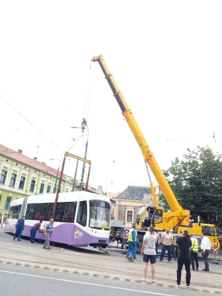 Două tramvaie ale STPT s-au ciocnit în Piaţa Maria