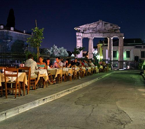 Cei care merg în Grecia trebuie să prezinte un test negativ la COVID-19