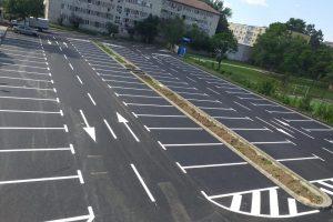 O nouă parcare între blocuri, la Timişoara, în locul garajelor demolate