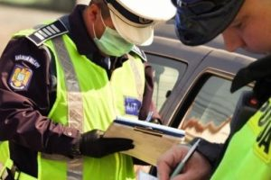 Agenţii timişeni de la Rutieră au dat peste 100 de amenzi pe zi