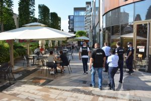 Poliţiştii au dat zeci de amenzi în urma unui control tematic de respectare a măsurilor anti-coronavirus