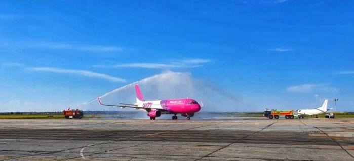Cum a fost întâmpinat un pilot aflat la ultimul zbor pe Aeroportul Internaţional Timişoara