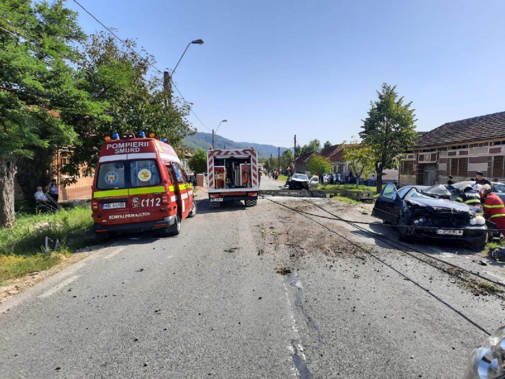 Tragedie în Caraş-Severin. Doi tineri şi-au pierdut viaţa într-un accident