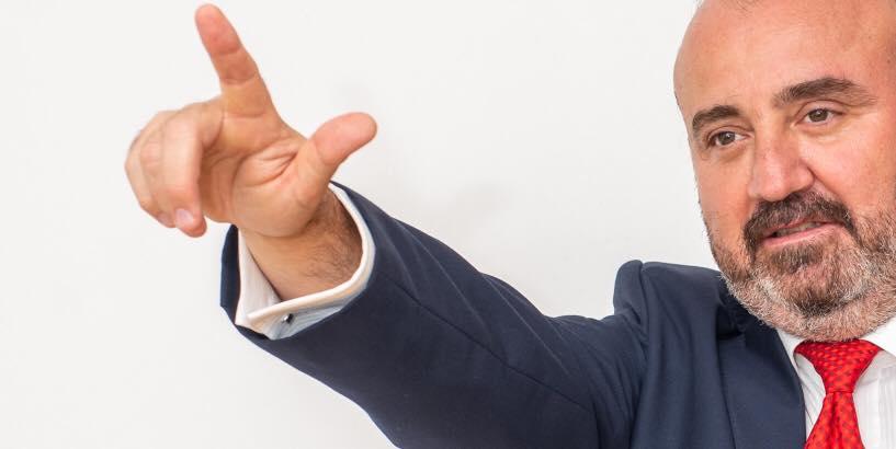 """Adrian Orza anunță: """"Nu mai candidez! Unele partide negociază funcţii exact cu cei pe care pretind că ar dori să îi schimbe"""""""
